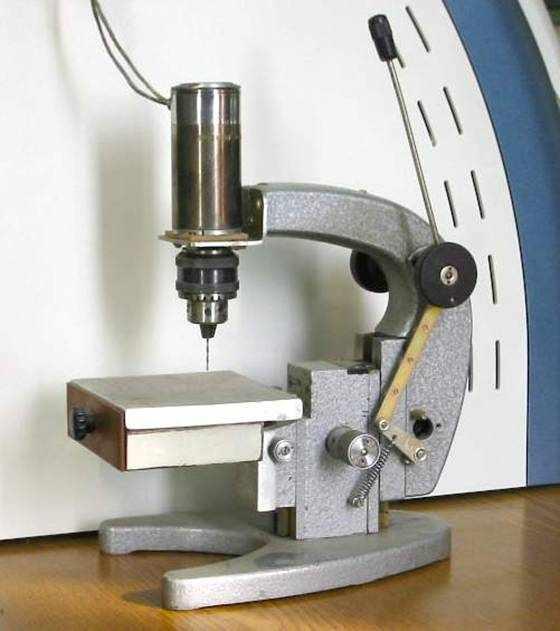 Сверлильный станок своими руками из микроскопа